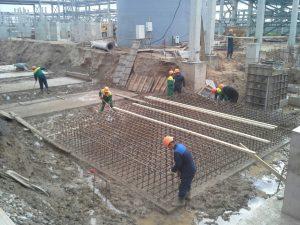 Промышленное строительство: заливка фундамента комплекса Кинеф в г. Кириши
