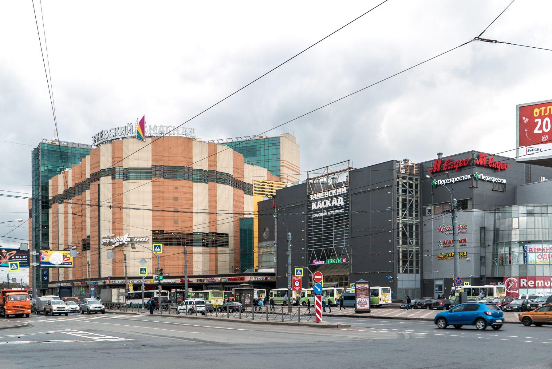 Адамант-строй, Здание «Заневский каскад»3 очередь, 1350