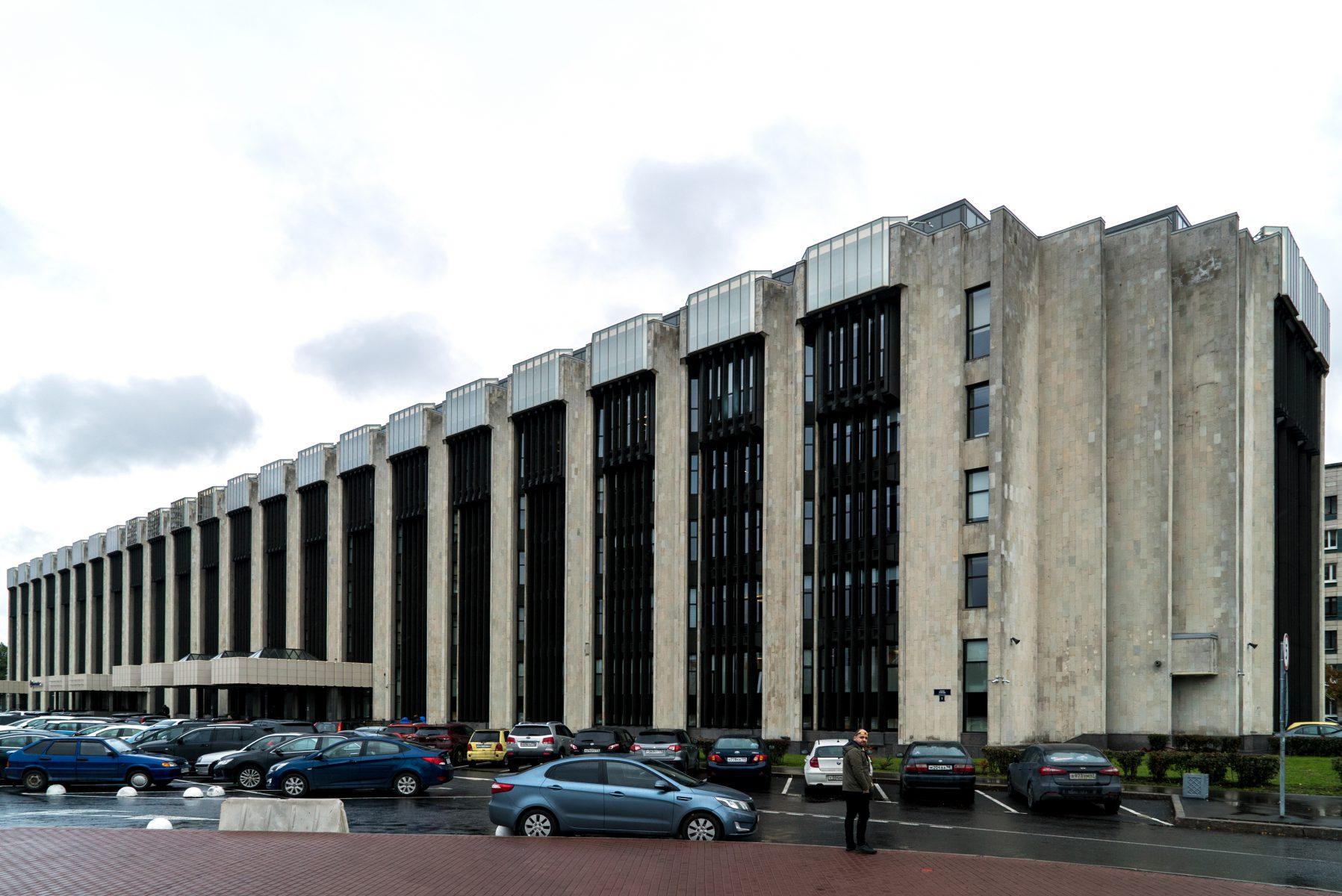 Адамант-строй, Здание «Виктория Плаза», 1347