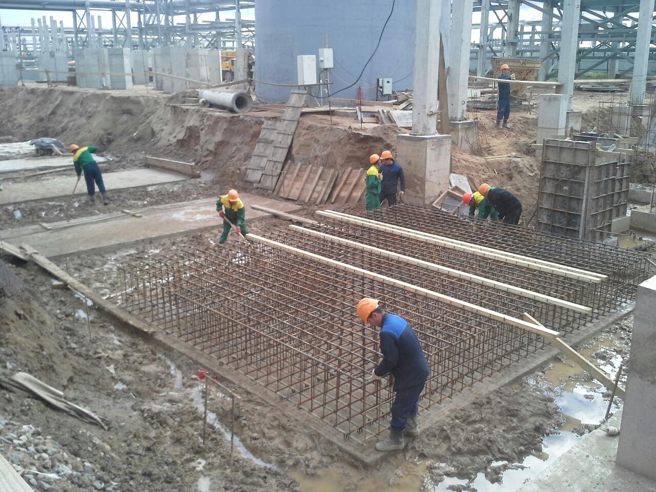 Завершение заливки фундамента на комплексе КИНЕФ в г.Кириши